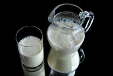 Cow milk for a healthy diet in your daily plan.