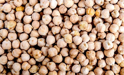 Chick peas close up.