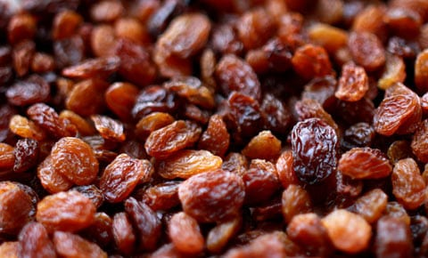 Raisins close up .